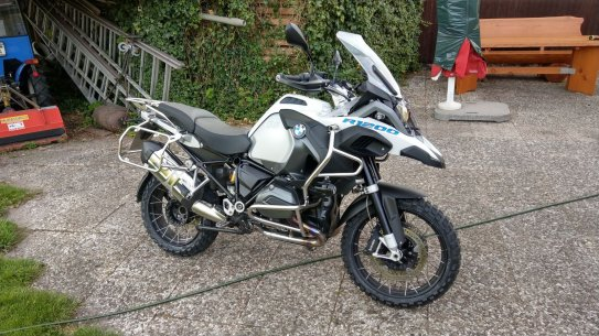 BMW R1200 GS Adventure mit Michelin Anakee Wild